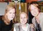 Nicole Kidman, Keith Urban sing for sick children
